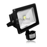 Lampa zewnętrzna LED 30W biała ciepła + czujnik ruchu