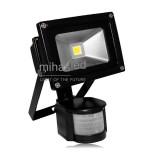Lampa zewnętrzna LED 10W biała ciepła + czujnik ruchu